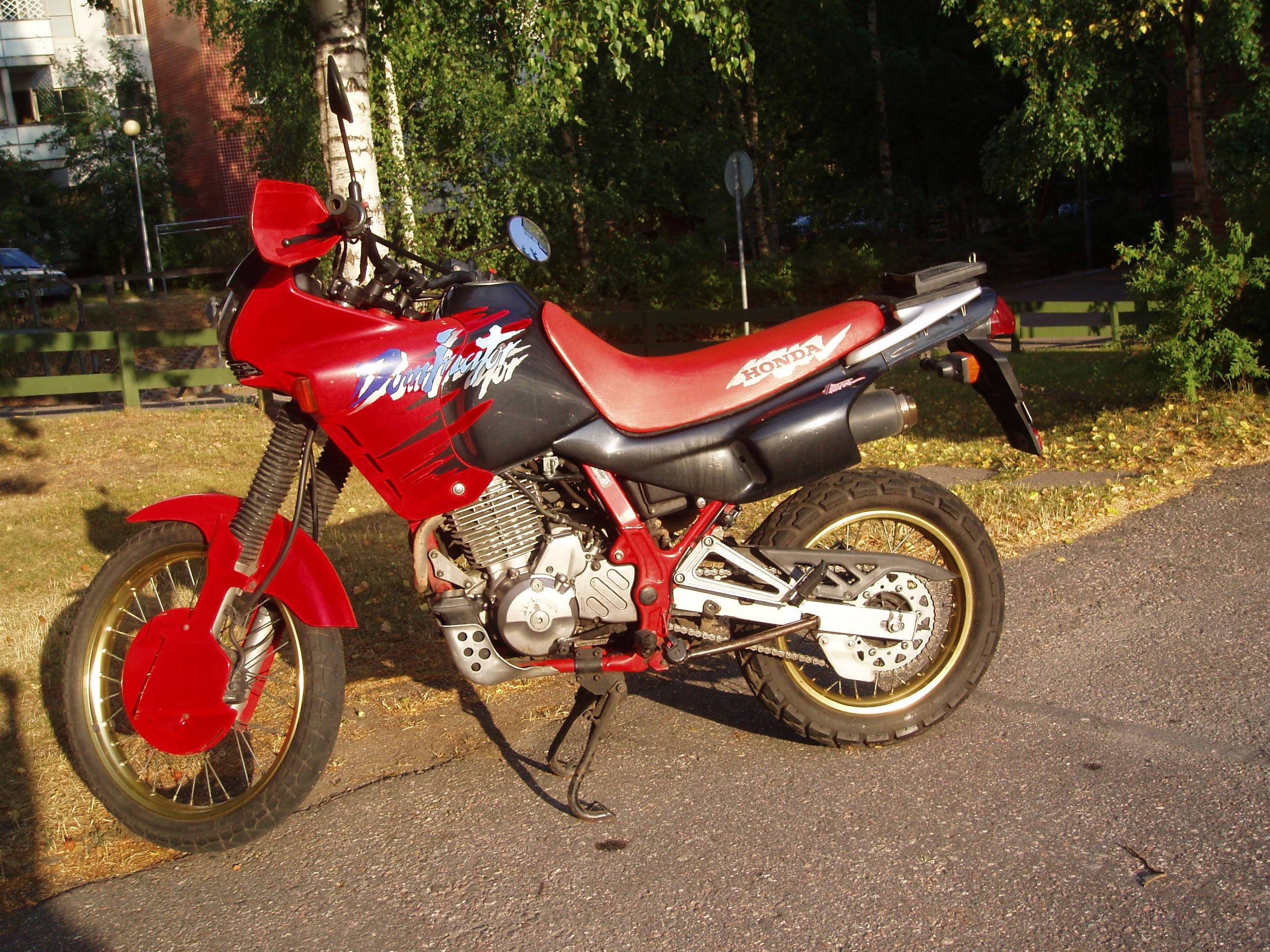 1994 HONDA NX 650 DOMINATOR   Picture 1670177